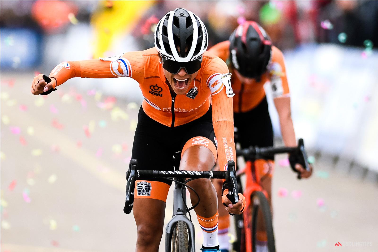 alvarado wins worlds 1 of 1 - Campeonato del mundo de Ciclocross 2021 - Oostende