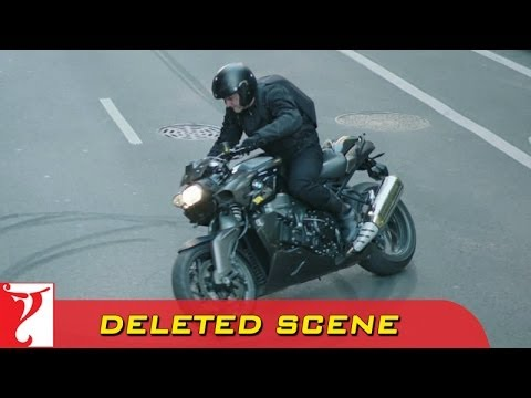Deleted Scene:1 | DHOOM:3 | Heist 1 Bike Stunt | Aamir Khan