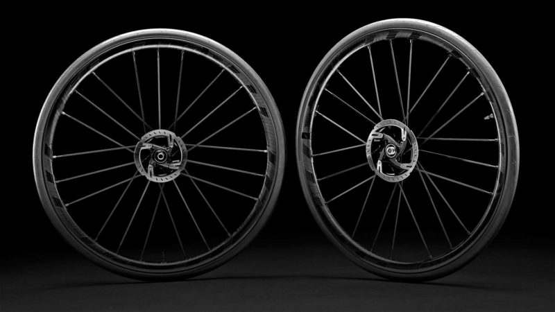 Fulcrum Racing Zero Carbon CMPTZN rolls stealth looks, ceramic bearings into disc brake tubeless all-road wheels