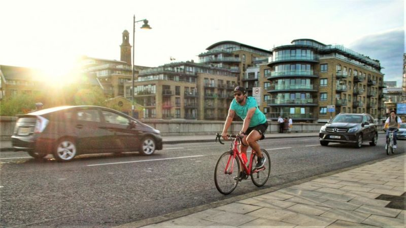 New study finds that cyclists don't hold up motorists