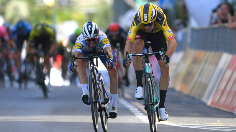 Van Aert snatches sprint win from Alaphilippe – VeloNews.com